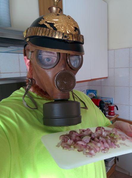 Saggezza popolare in cucina: basta poco per non temere più lo scalogno.