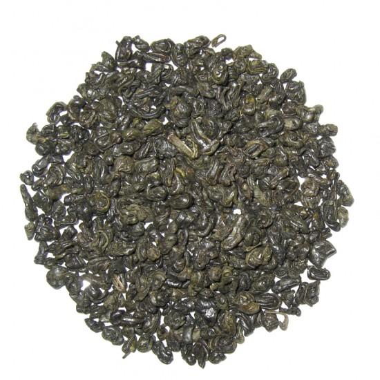 Un gunpowder di pezzatura molto piccola. Aggiungere foglie di menta per un bel tè all'africana. ^_^