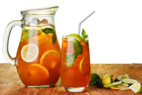 E nulla vieta di rinforzare l'aroma con qualche fetta di limone e delle foglie di menta, se impiegate un Ceylon non aromatizzato o uno aromatizzato al limone!